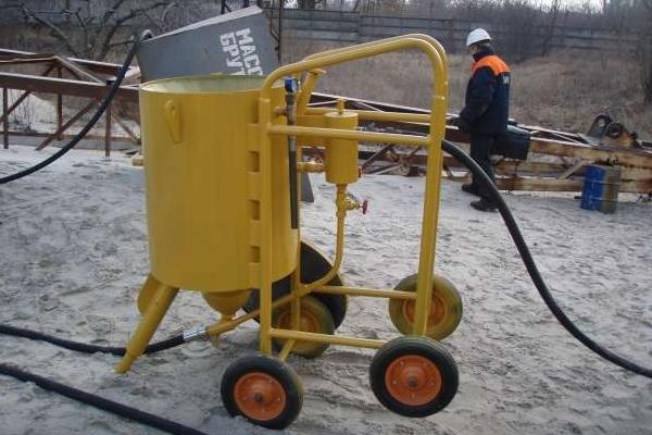 очистка пескоструйной машинкой используется на техстанциях