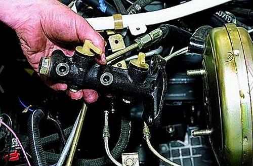 ремонт переднего тормозного цилиндра