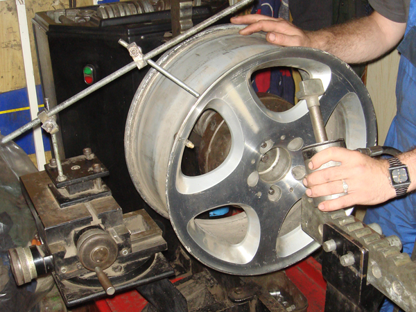 процесс обкатки тормозных дисков