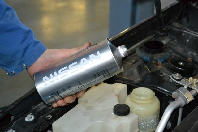 процесс замены тормозной жидкости