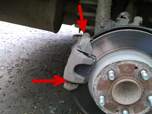 поменяли тормозные колодки на форд фокус слышен скрип что делать