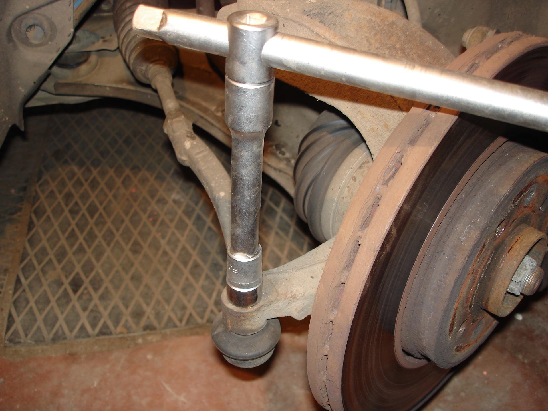 Замена втулки рулевой рейки