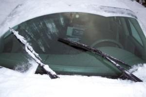 Автомобильный дворники зимой фото