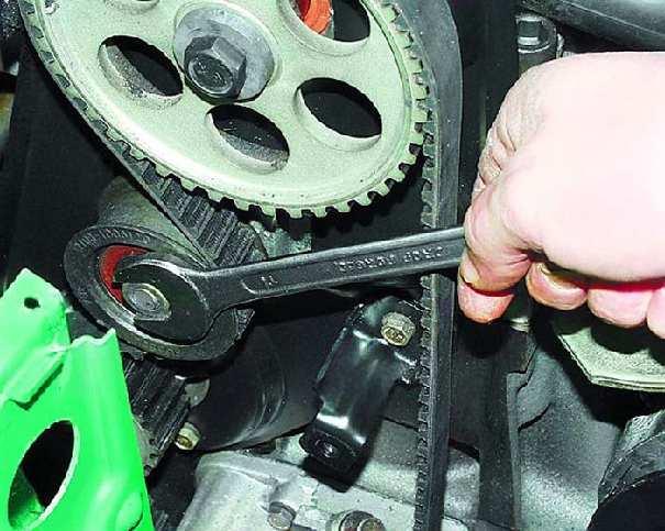 Подтяжка ремня автомобильного генератора