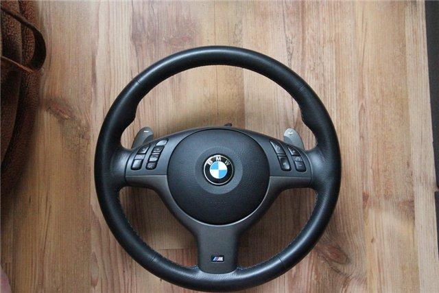 Снятый автомобильный руль фото