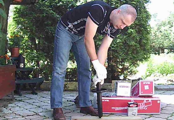 Прокачка автомобильно газового амортизатора