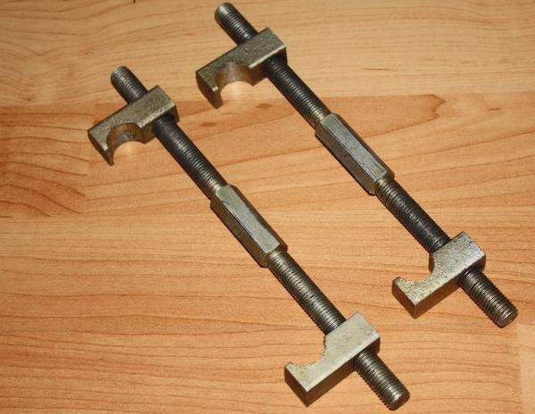 Стяжки для снятия пружин амортизатора авто