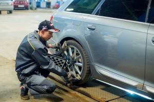 Диагностика развала колес автомобиля