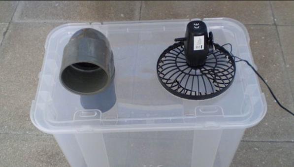 Пластиковый контейнер и вентилятор для изготовления автокондиционера