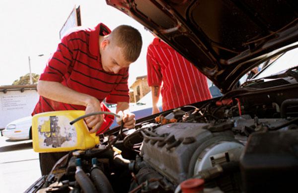 Замена охлаждающей жидкости двигателя
