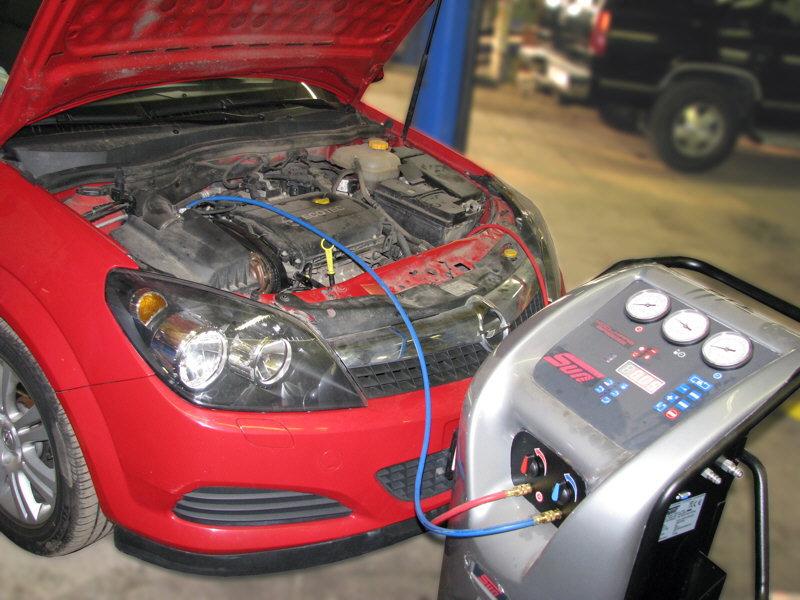 Провывка кондиционера автомобиля на СТО