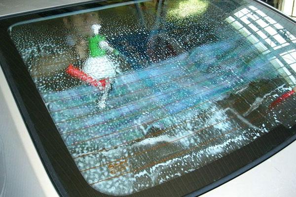 Замыливание заднего стекла перед установкой пленки
