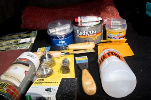 Набор материалов для самостоятельной шпатлевки бампера