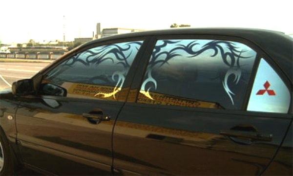 Тонировочная пленка с узором на авто