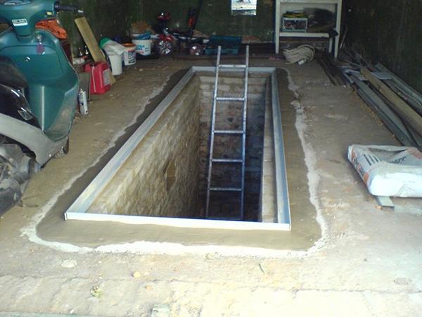 Специальная смотровая яма для машин