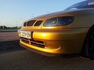 Передняя резиновая губа на автомобиле