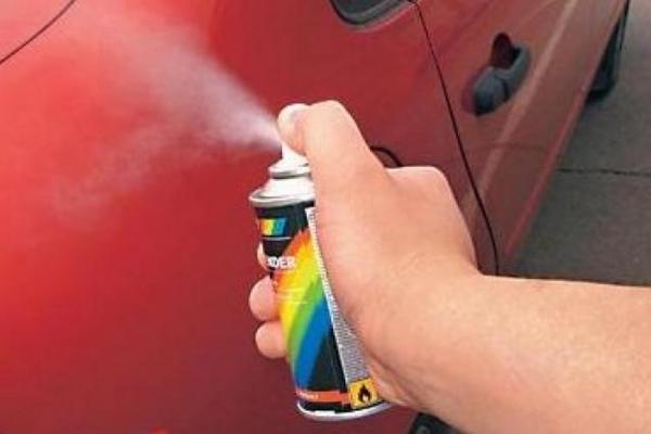 Фото аэрозольного баллончика для покраски автомобиля