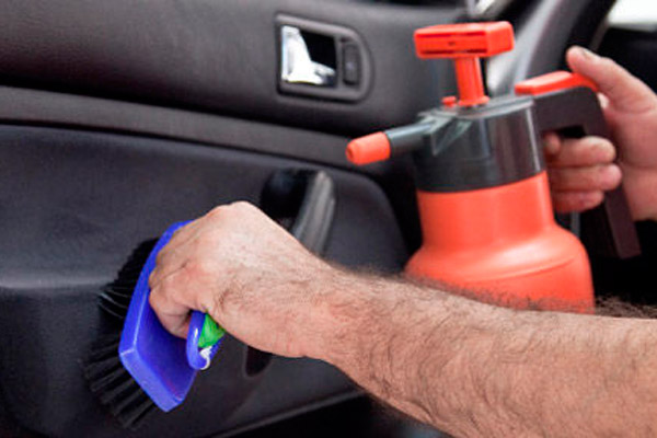 Сделать чистку авто самостоятельно - просто