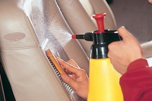 Спрей для чистки кожаных сидений