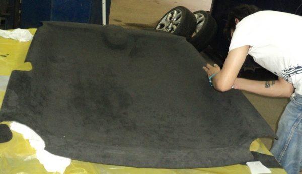 Часто перетяжка потолка машины требуется после аварий или ремонта