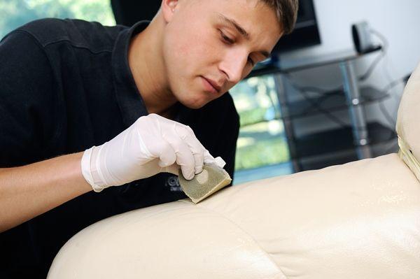 Очищение и покраска поверхности салона