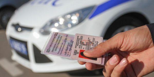 За вождение в нетрезвом виде водитель лишается прав