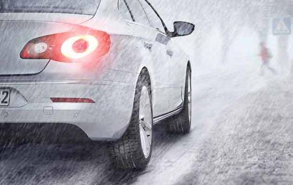 Глубина протекторов на зимних шинах не должна быть 3 мм или менее