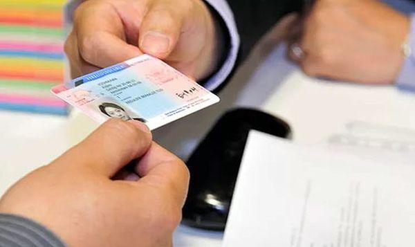 С заменой водительского удостоверения нельзя затягивать